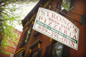 Strong's Brick Oven Pizzeria in Newport