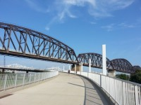 Louisville Walking Bridge (640x480)
