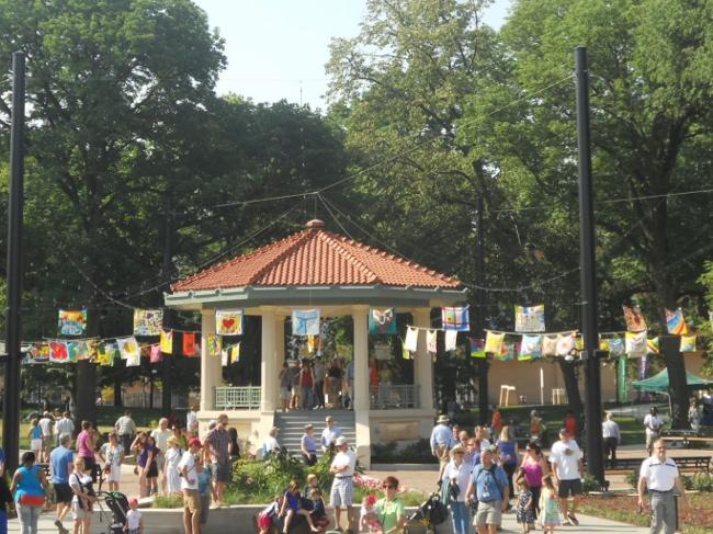 Washington-Park-Bandstand-650x487